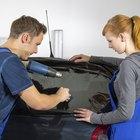 Cómo limpiar los vidrios polarizados de un vehículo