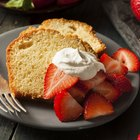 How to Make Homemade Strawberry Pound Cake