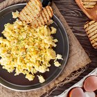 Make Fluffy Scrambled Eggs With Cheese