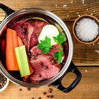 How to Slow Cook a Pot Roast With Beef Broth