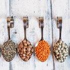 Una lista de alimentos con carbohidratos, grasas y carbohidratos complejos