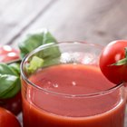 How to Tell If Fresh Tomato Juice Is Spoiled