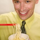 What Kind of Noodles Go in Chicken Lo Mein?
