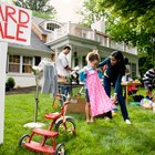 How to Make Cheap Reuseable Yard Sale Signs