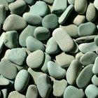 Cómo taladrar vidrio de mar y piedras de playa