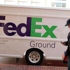 ¿Cómo hago para recoger un paquete de FedEx si no hay nadie en casa para firmar la entrega?