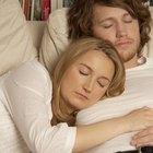 Cómo despertar a una persona con sueño pesado