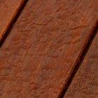 Cómo hacer la madera resistente al agua (sin pintar)