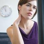 Cómo ejercitar si experimentas un dolor de cuello crujiente
