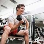 ¿Por qué mis músculos duelen después de levantar pesas?