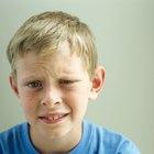 ¿Cómo deshacerse de un afta en las encías de un niño?
