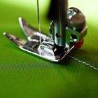 Cómo ajustar una máquina de coser Singer de pedal