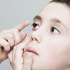 How to Find a Contact Lens in Your Eye