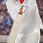 Señales de advertencia en la quebradura de un bate de cricket