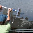 ¿Cuánto cobra un limpiador de vidrios por hora?