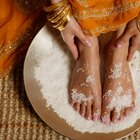 How to Soak Your Feet in Sea Salt