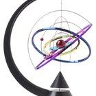 Describiendo los movimientos típicos de los átomos de un medio sólido, un líquido y un gas