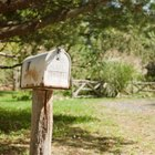 What Is the Difference Between Mailing Ground Mail or Air Mail?