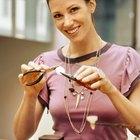 ¿Cómo hacer joyas con planchas de latón?