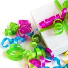 How to Advertise a Gift-Wrapping Service