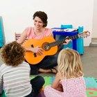 """Cómo tocar """"Estrellita dónde estás"""" en la guitarra"""