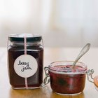 Ideas on How to Decorate a Jelly Jar