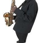 Técnicas para tocar notas altas en un saxofón