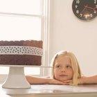 ¿Qué tipo de reacción química simple ocurre en los pasteles?