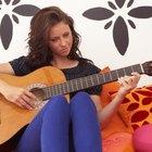 ¿Qué significan los números y los guiones en las tablaturas de guitarra?