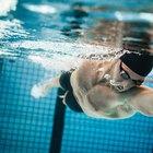 Qué músculos se ejercitan al nadar