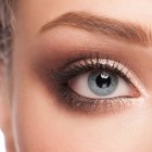 8 Makeup Basics for Blue Eyes