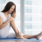 ¿Cuáles son las causas de una sensación quemante en la zona aductora de la pierna?