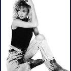 1980s Glam Rock Hair & Makeup Tips for Women