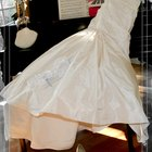 How to Decorate a Shell Pageant Dress