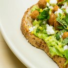 How to Make Crunchy Avocado Toast With Chickpeas