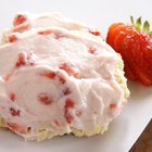 How to Make Homemade Strawberry Cake Icing