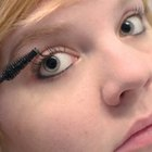 Fastest Way to Grow Eyelashes Naturally