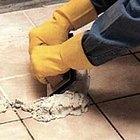 Cómo rellenar las juntas del piso de la ducha
