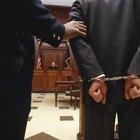 Cómo averiguar la fecha en que una persona debe presentarse a juicio