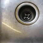 How to Clean Tea Stains on a Stainless Steel Sink