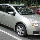Como substituir uma lâmpada de freio em um Nissan Sentra 2007