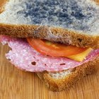 Signs and symptoms of eating mould on bread