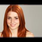 Qué color de lápiz labial luce bien con el cabello rojo y la tez blanca