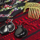 What Is the traditional flamenco costume?