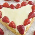 How to make a heart-shaped cake