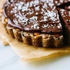Tarta de nueces y almendras con cobertura de chocolate