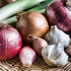 How can I tell if a red onion is bad?