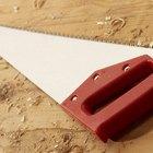Como cortar madera con un serrucho
