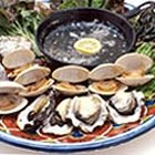 Cómo asar a la parrilla ostras y almejas