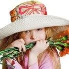 Cómo añadir accesorios a un sombrero para primavera